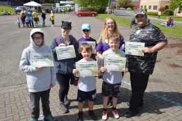 Volunteers fundraising for DanceSyndrome